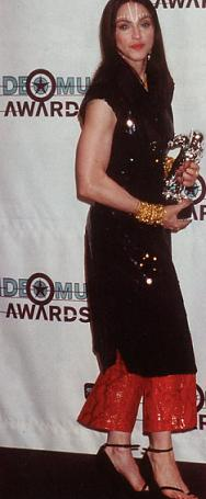 madonna_mtv_awards_98_3.jpg