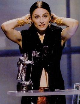 madonna_mtv_awards_98_4.jpg