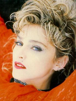 madonna_red_lace_85_1.jpg