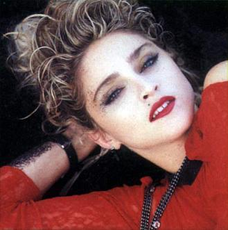 madonna_red_lace_85_4.jpg